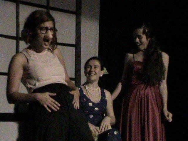Actriz en El tiempo y los Conway de J.B. Priestley. Personaje Carol. Dirección de Jose María Moreno. ESAD Sevilla. Mayo 2013.