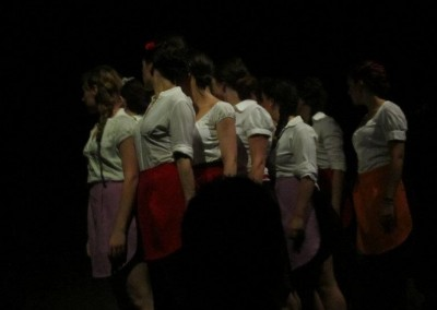 Actriz en La cocina de Arnold Wesker. Personaje Camarera. Dirigido por Concha Távora. ESAD Sevilla. Junio 2011.